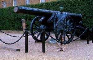 Liu Bolin - Cannon