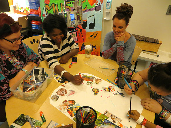 Britney Spears art therapy Children's Hospital LA