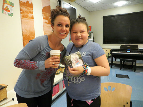 Britney Spears attends art therapy session at children's hospital in LA